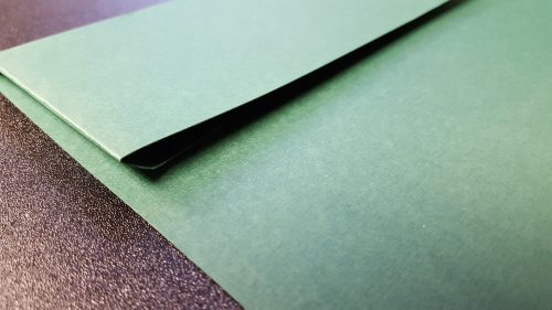 Pocket tax folders have the pocket unattached to the folder for more flexibility in document size. - DiscountTaxForms.com